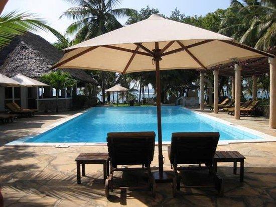 SheShe Baharini Beach Hotel: THE POOL