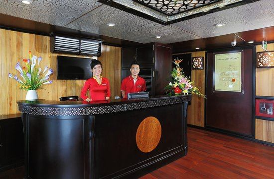 Starlight Cruise Halong Bay - Day Tour: Reception