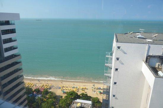 Hotel Brasil Tropical: Vista da área da piscina