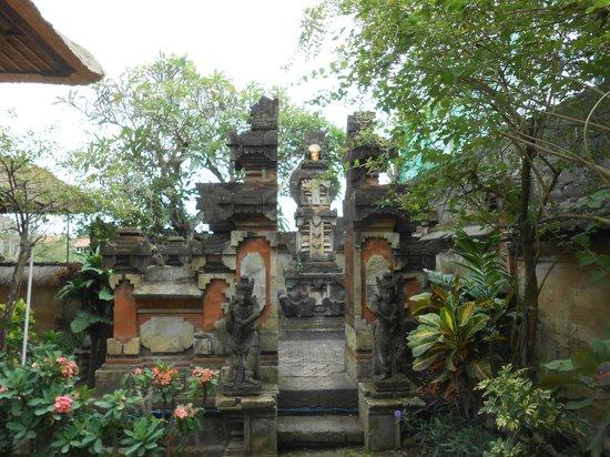 โรงแรมบาหลี อากุง วิลเลจ: le temple de l'hotel