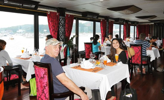 Starlight Cruise Halong Bay - Day Tour: Restaurant