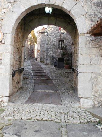 Antico Borgo Bed & Breakfast: Entrance ...Fumone historical center