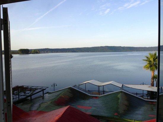 La Bella Venere Hotel- Lago di Vico: Blick aus dem Zimmer auf den Lago di Vico