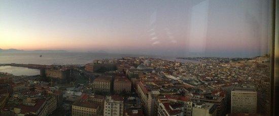 NH Napoli Ambassador: Vista camera..