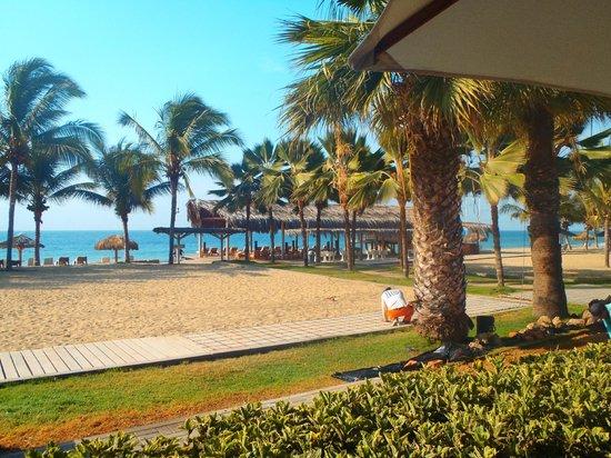 Punta Sal Suites & Bungalows Resort: Vista desde el restaurante