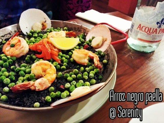 Serenity Spanish Bar & Restaurant: Arroz negra paella