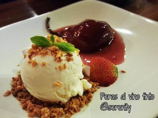 Serenity Spanish Bar & Restaurant: peras al vino tinto