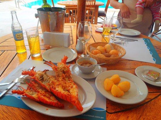 Punta Sal Suites & Bungalows Resort: Langostas
