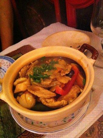 Les Baguettes D'or: Marmite cu curry (spécialité)