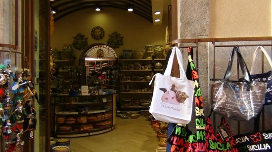 Taormina Tour - Day Tours: negozzio per acquistare dei suvenir