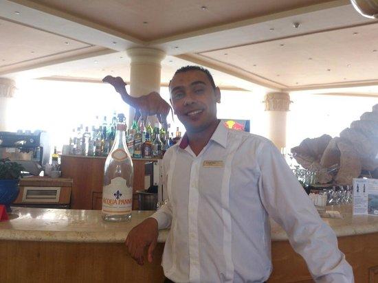 Hilton Sharm Waterfalls Resort: El-Sayed Nawar , the amazing Par man