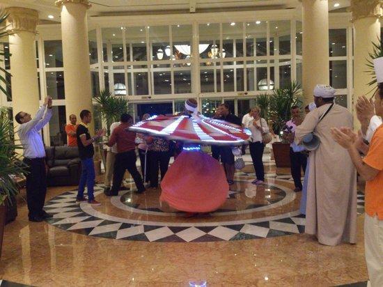 Hilton Sharm Waterfalls Resort: tanora man