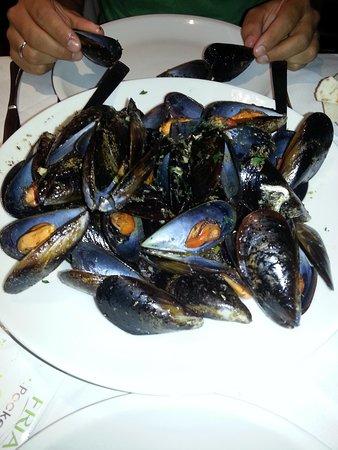 La Taverna della Rocca: Muscles are a must!
