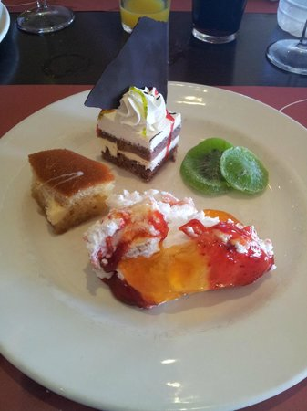 Atlantica Caldera Palace Resort & Spa: Desert, a small plate of what is on offer, delicious