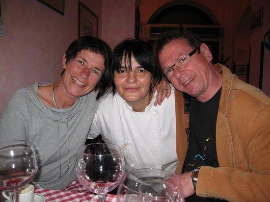 Hostaria La Botticella: Giulia - the owner (in the midle)