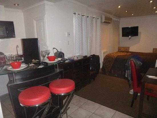 Hotel Kutuma: Room
