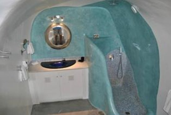 Art Maisons Luxury Santorini Hotels Aspaki & Oia Castle: super huge bathroom