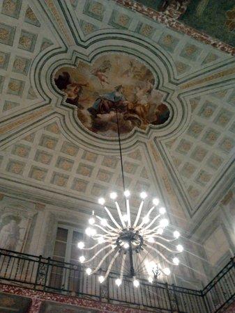 Villa Mirabello: il salone principale (ristrutturato)