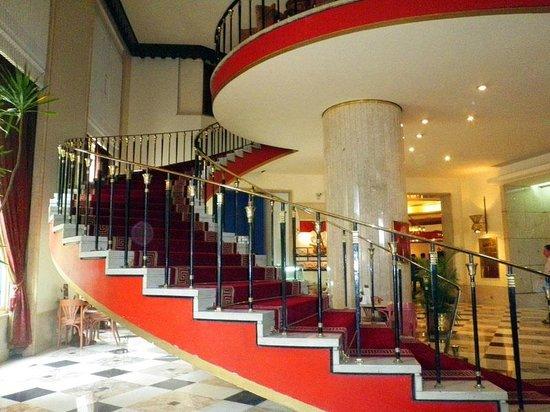 Shepheard Hotel: hotel