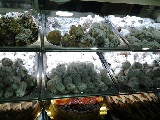 Isola delle Rose : Banco biscottini