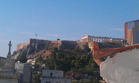 Hotel Tempi: Acropolis from balcony of room (at 4 floor)