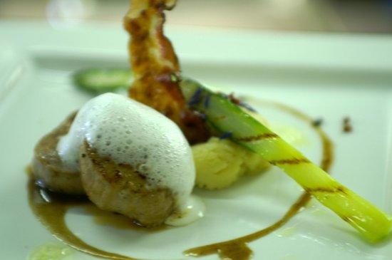 Hotel Restaurant Urweider : Schweinefilet auf Kartoffelpüree mit Haselnussaromen