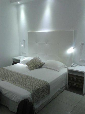 Asterias Beach Hotel: camera