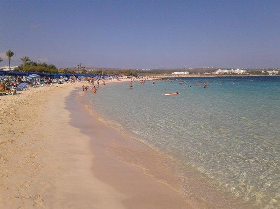 Asterias Beach Hotel: mare spiaggia fronte hotel