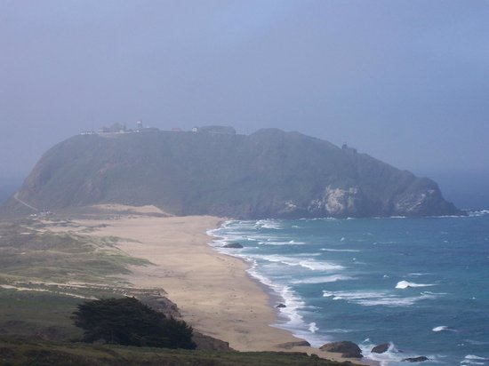 Point Sur State Historic Park: Coastal highway viewpoint