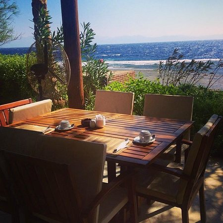 Dahab Paradise: Breakfast by the sea