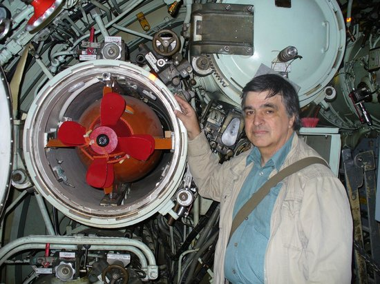 Clandestine Immigration and Naval Museum: me with NT-37 torpedo on INS Gal