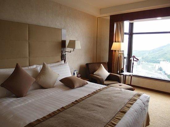 Shangri-la Hotel Shenzhen: 寝室です。