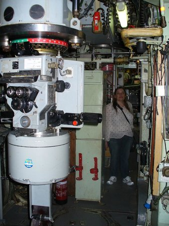 Clandestine Immigration and Naval Museum : Helen and control room on INS Gal