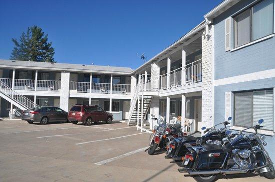 El Rancho Motel: Exterior