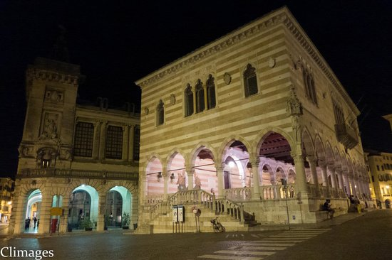 ElmAgos: UDINE BY NIGHT
