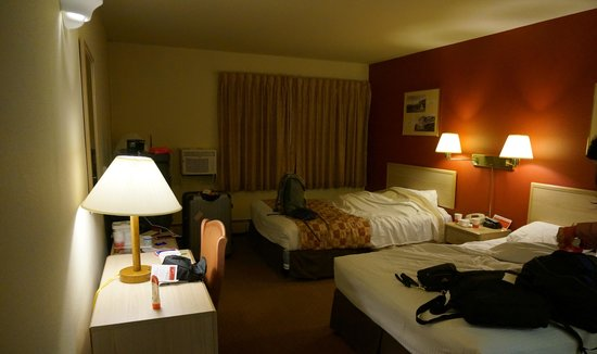 Ramada Anchorage: Overview of room