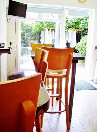 Abbascombe Arrival Lodge: Breakfast Room..