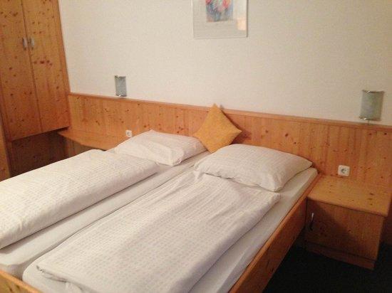 Gasthof Dorfner: Schöner Schlafbereich.