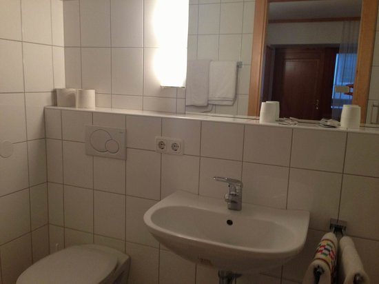 Gasthof Dorfner: Nochmal das Bad.