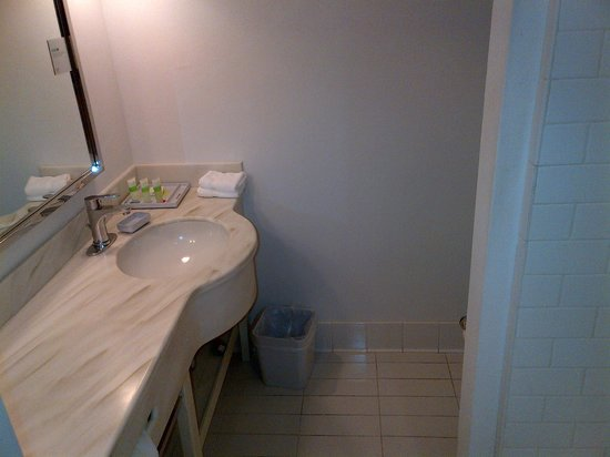 Four Points by Sheraton Los Angeles International Airport: Baño