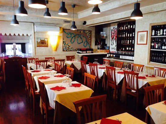Osteria dell' Anima: Inside