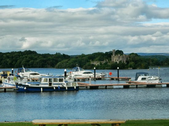 Lough Key Caravan & Camping Park: Lough Key from the Forrest Park