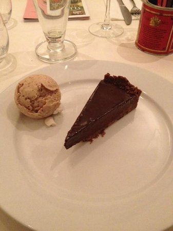 Main's Restaurant: Salted chocolate tart with fig ice cream