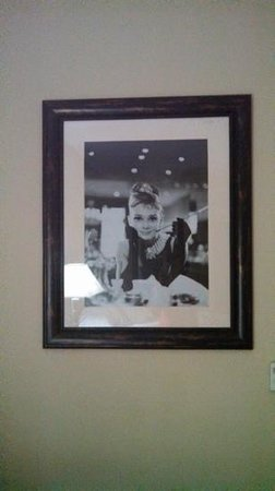 Sleep Inn & Suites West Medical Center: Audrey Hepburn photo in our room.