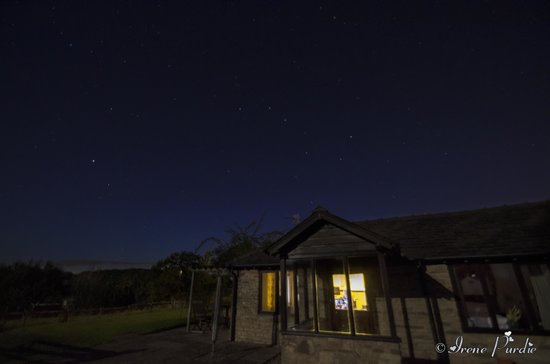 Hidelow House: Stars at Night, outside Katherine's cottage