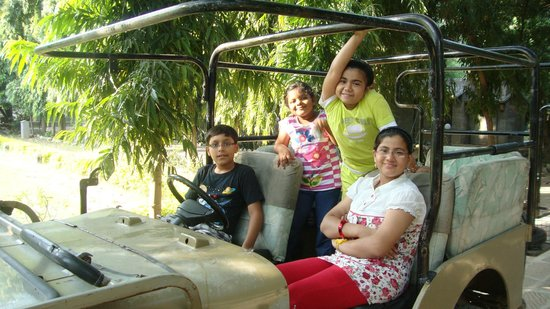 Leopards Lair Resort: Kids Enjoying the place!