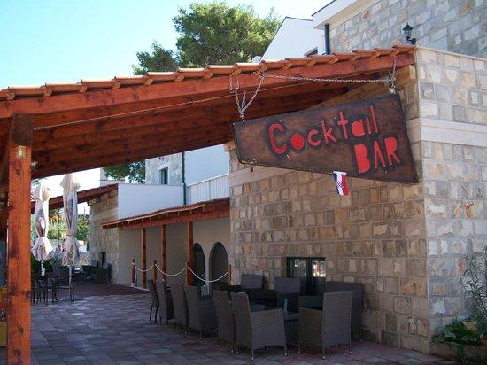 Hotel Sveti Kriz: beach bar
