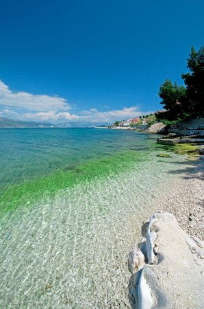 Hotel Sveti Kriz: beach