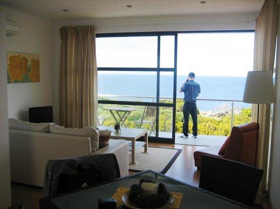 Cantinho das Buganvilias Resort : living room