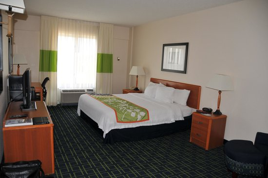 Fairfield Inn & Suites Christiansburg: Room